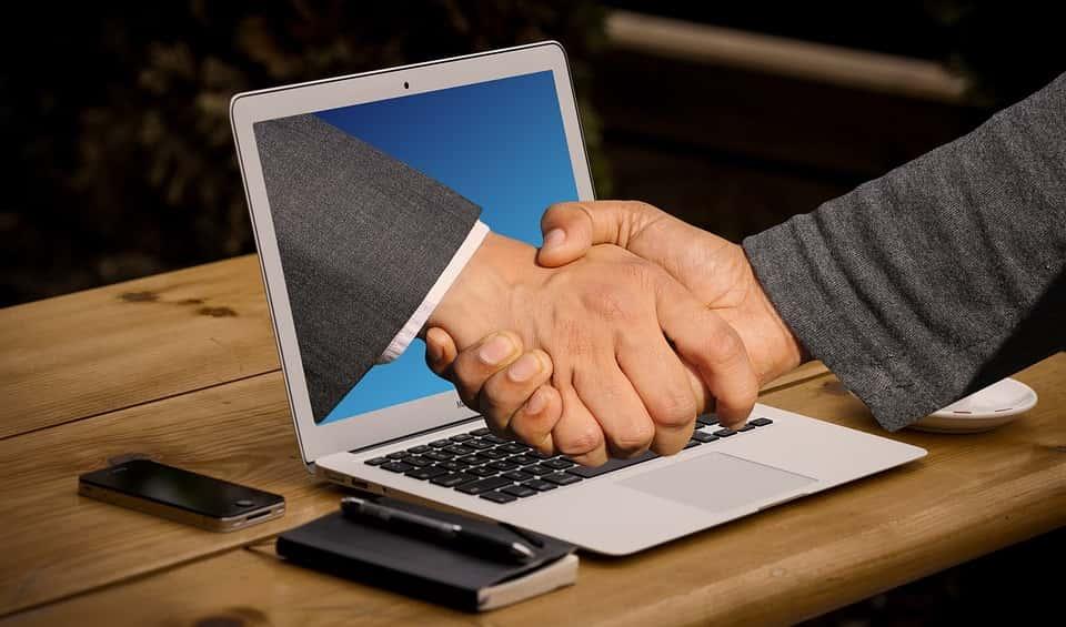 půjčku dnes sjednáte přes internet